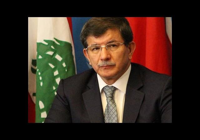 Davutoğlu'ndan Gazeteciye Tepki