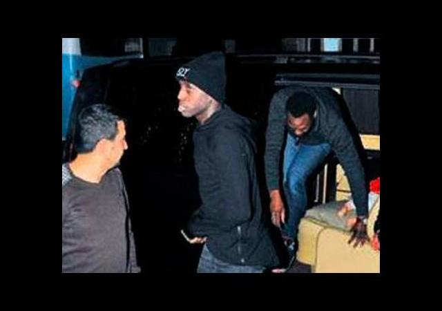 Beşiktaş yönetiminden Fernandes'e büyük şok! Demba Ba...