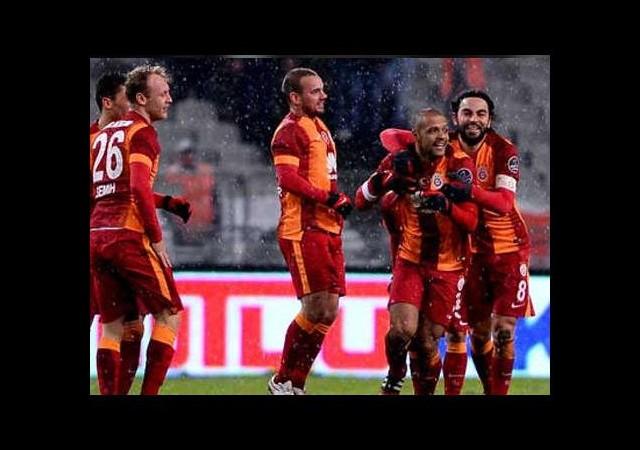 Derbi kralı Galatasaray