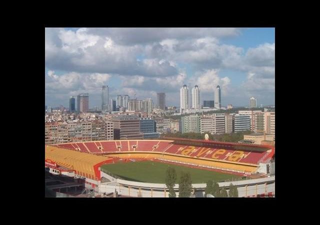 Galatasaray'a Dev Servet!