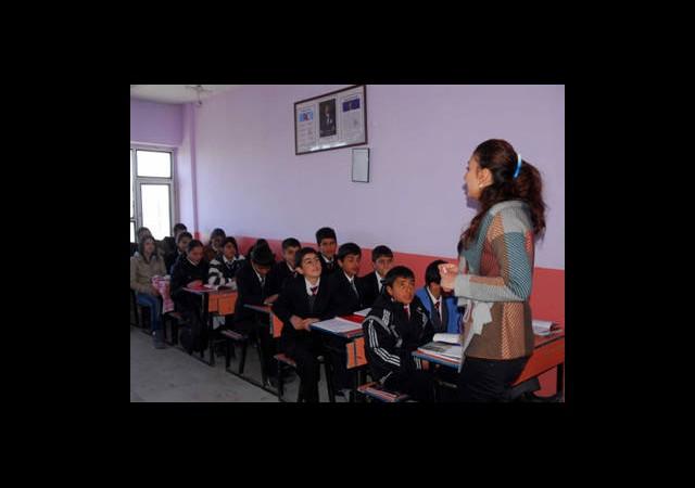 Öğretmenler Dil Eğitimi İstiyor