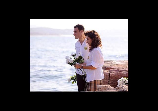 Zeynep'e Romantik Jest
