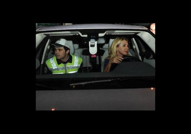 Ünlü Sunucu Alkol Duvarını Aşınca Ehliyetini Kaptırdı