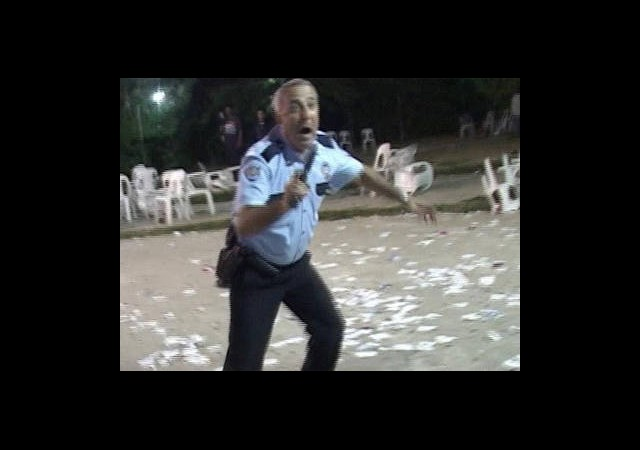 Polis Düğünde Dehşet Saçtı