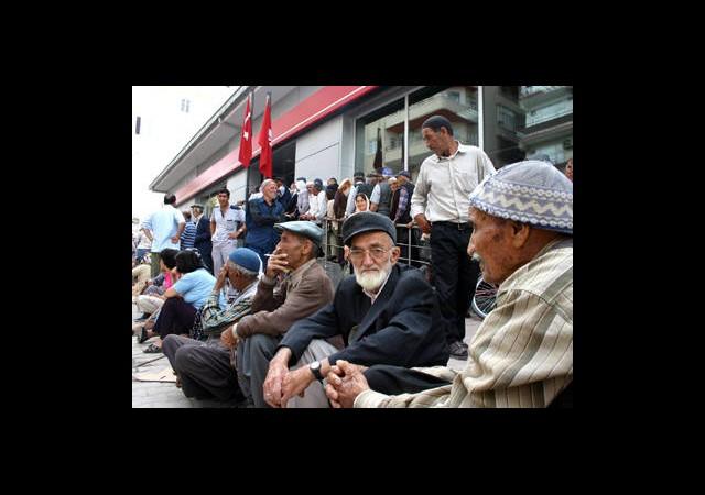 SSK Emeklilerine Bayram Müjdesi!