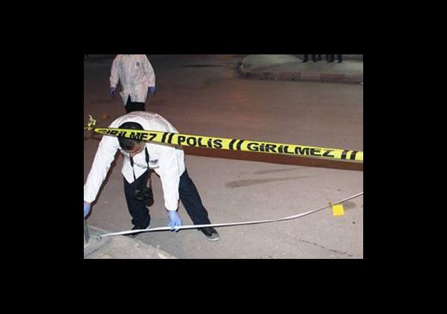 Sokak Ortasında Eşini Öldürdü