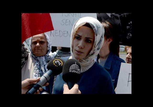 Başbakan'ın kızı İsrail protestosuna katıldı