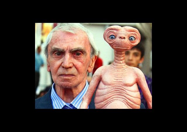E.T.'nin Babası Hayatını Kaybetti