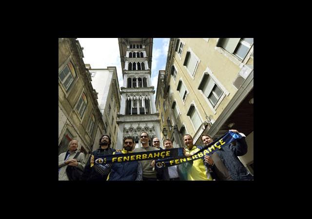 Lizbon Sokakları Sarı-Lacivert!