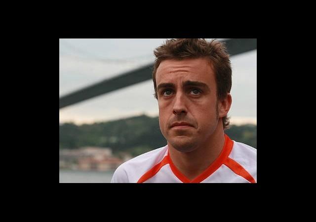 Ferrari Alonso'nun ''Kulağını Çekti''