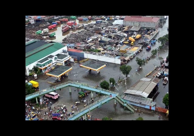 Muson Filipinler'i Yıktı Geçti