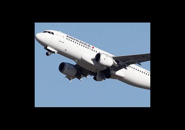 Uçuşlar Felce Uğradı