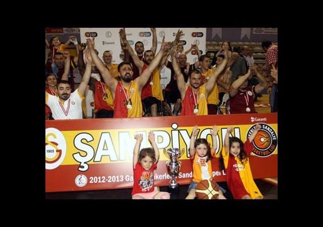 Galatasaray'da para krizi çıktı!