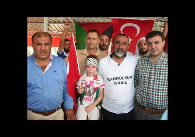 Gazze'ye yürüyen aile Reyhanlı'da