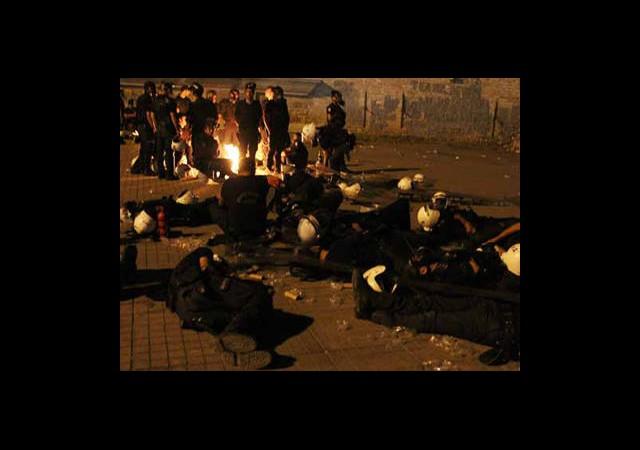Taksim'de Çatışmalar Sabaha Kadar Devam Etti