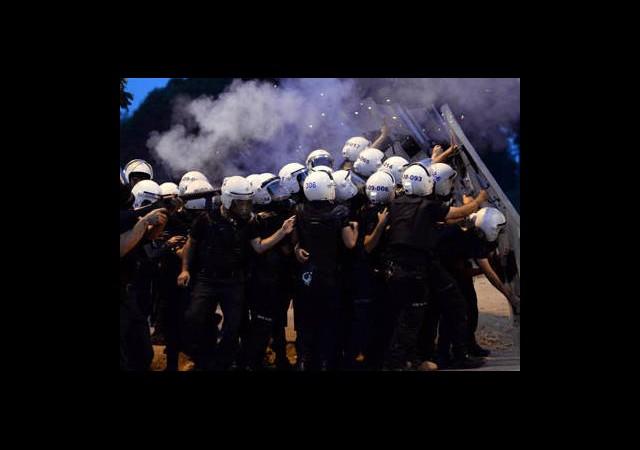 Bir İsyan da Polisten!