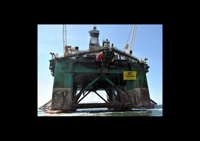 Greenpeace'den Gazprom'a Baskın