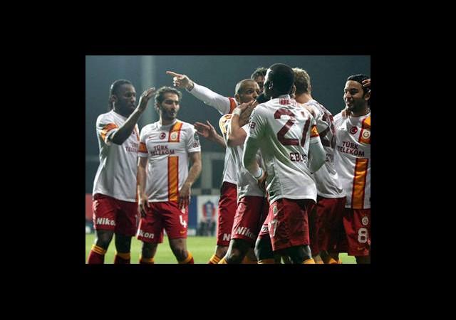 Galatasaray Farkı Açtı
