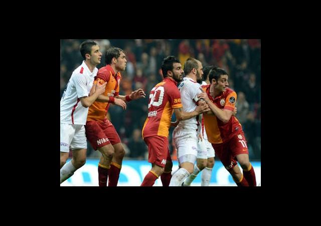 Gaziantepspor-Galatasaray Canlı Anlatım