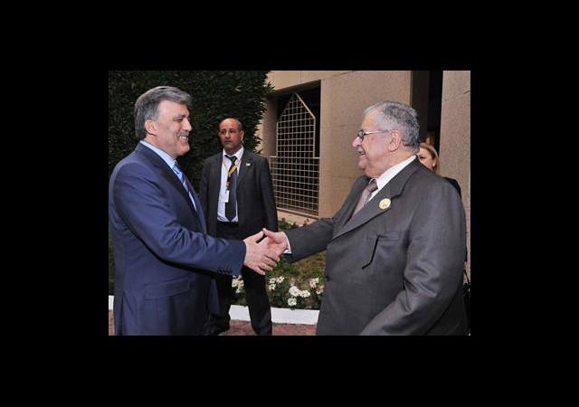 Gül'den Talabani'ye Tedavi Daveti