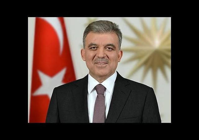 Cumhurbaşkanı Gül'den 'indirilen bayrak' yorumu