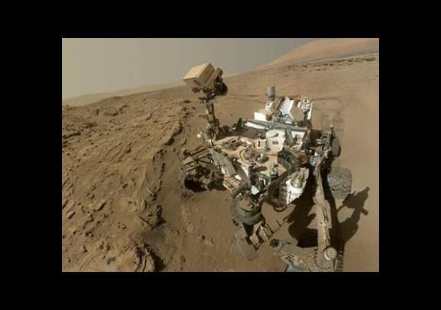 İlk Mars selfie'si!