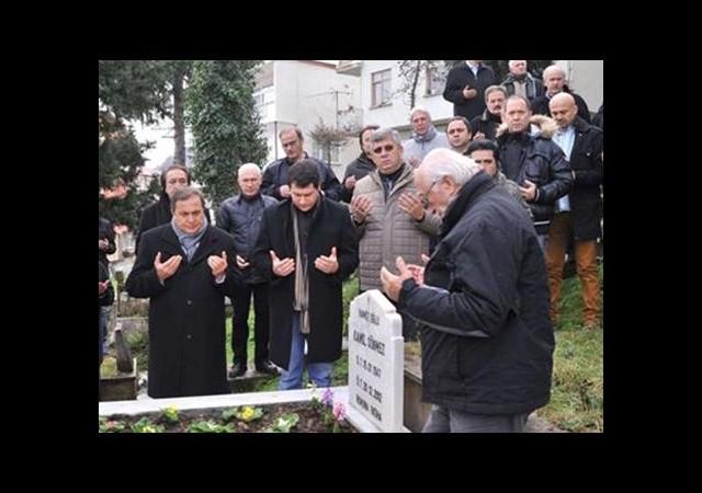 Kamil Sönmez Mezarı Başında Anıldı