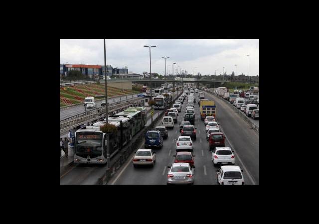Haliç'te Metrobüsler Çarpıştı