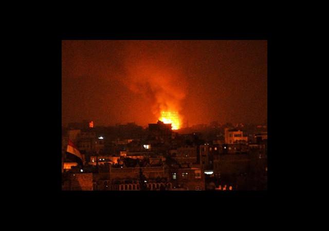 Suriye Ordusu Halep'i Bombalıyor