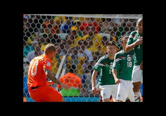 Sneijder attı, Hollanda turladı!