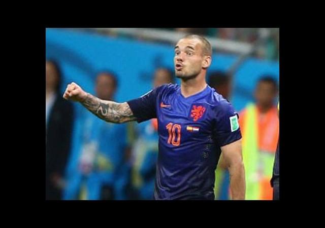 Sneijder sert konuştu!