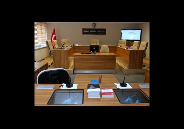 Bir Yıl Hapse 15,5 Bin Lira Tazminat