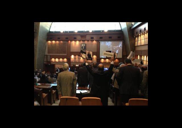Gezi Kavgası İBB Meclisi'ne Sıçradı!