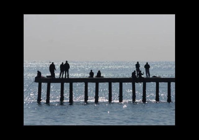 Demir İskeleler Denizleri Kirletiyor