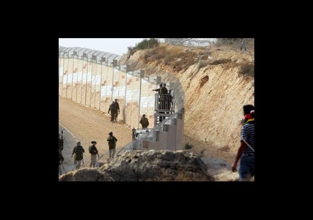 İsrail Duvar Örmeye Hazırlanıyor