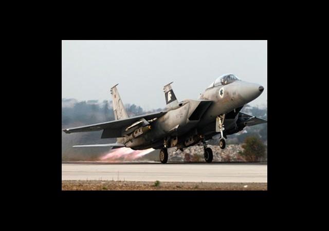 'İsrail Jetleri Suriye'yi Vurdu'