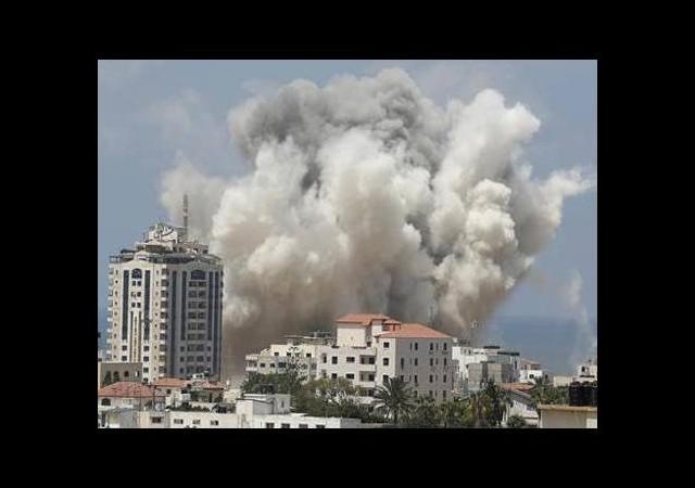 İsrail saldırmaya devam ediyor
