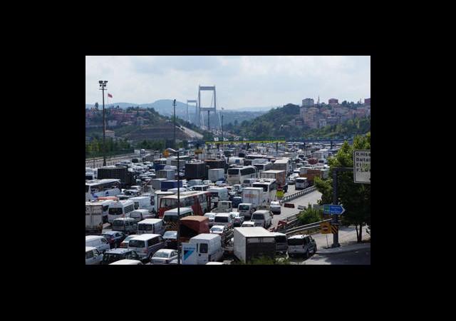 ''İstanbul, Avrupa'da Trafiği En Yoğun Şehir''