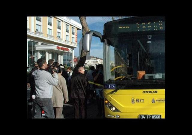 Üniversiteli genç kız otobüste kurşunlandı