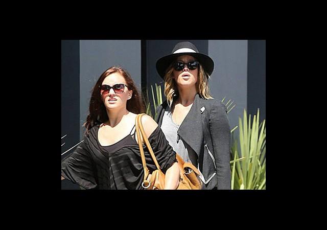 Jennifer Lawrence'ın O Mağazada Ne İşi Var?