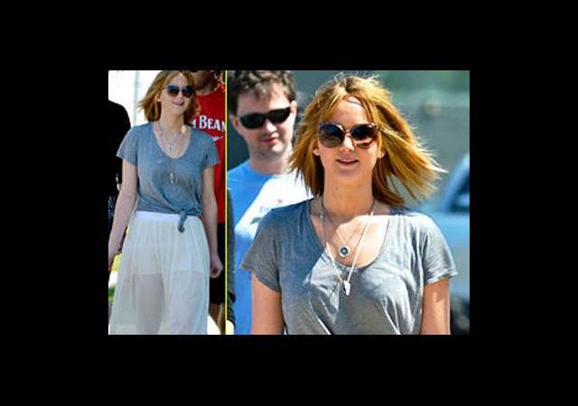 Jennifer Lawrence, Kısa Saçları ve Şeffaf Eteği!