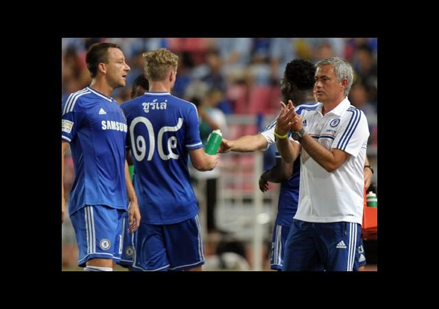 Jose, Burak'ı Kulübeye Alır