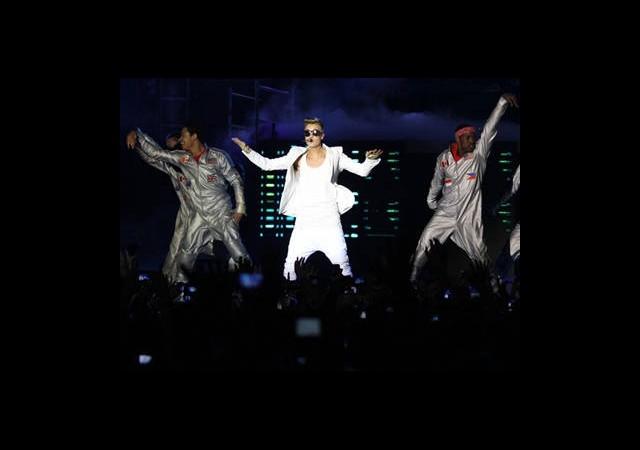 Justin Bieber Sahneyi Terk Etti!