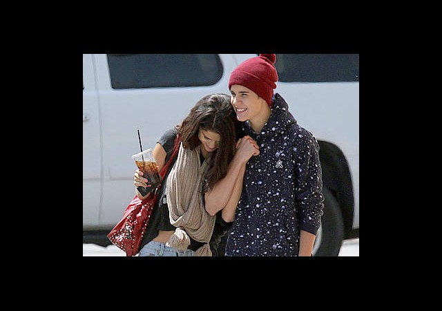 Justin Biber ve Selena Nişan Alışverişinde!