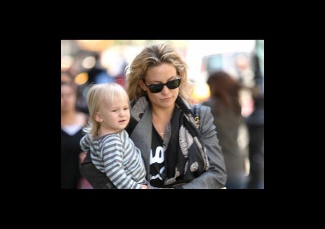 Kate Hudson'ın Kucağındaki Yakışıklı Kim?