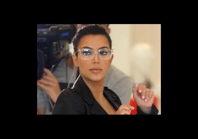 Plastik Gözlükler Mi Geliyor?