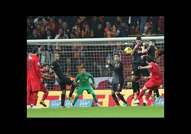 Galatasaray kalesini gole kapattı