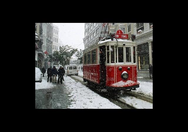 İstanbul'da Daha Şiddetli Bir Kar Yağışı Geliyor