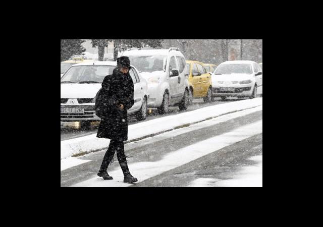 Kar İstanbul'un Kapısına Dayanıyor