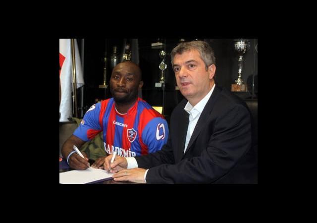 Karabük 5 Futbolcuyla Yollarını Ayırdı